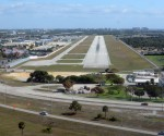 Boca_Raton_Airport_rwy_5_Photo_D_Ramey_Logan