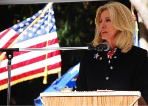 Sen. Maria Sachs speaking at an event for veterans. She will be one of the speakers at the event. (image taken from mariasachs.com)