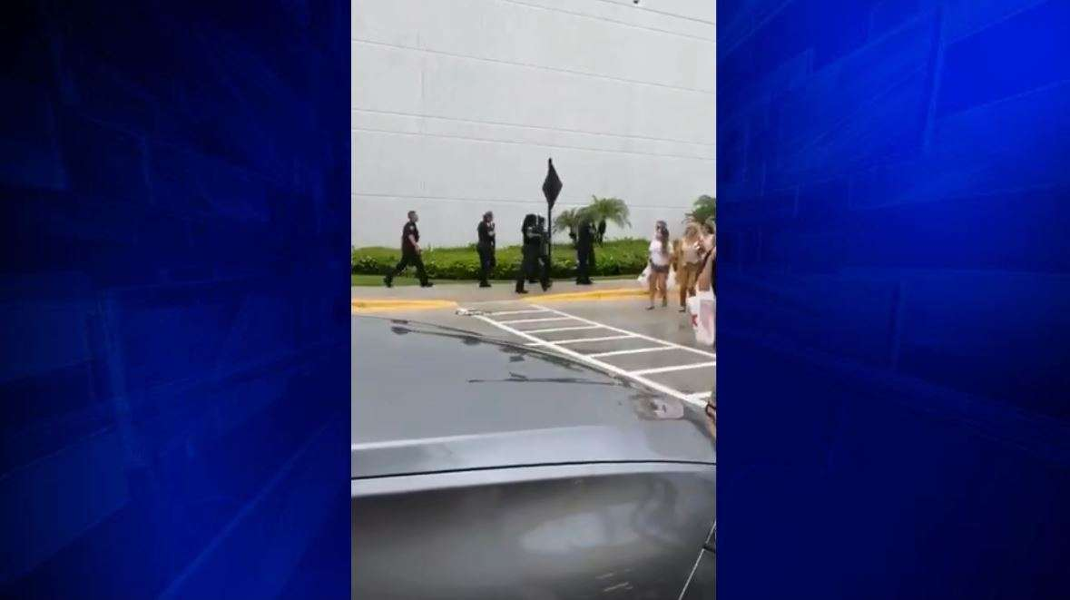Police investigating reports of shooting at Florida mall